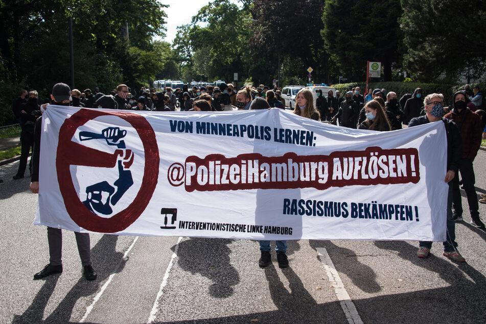 Nach G20-Urteilen: Demonstranten fordern Auflösung der Polizei