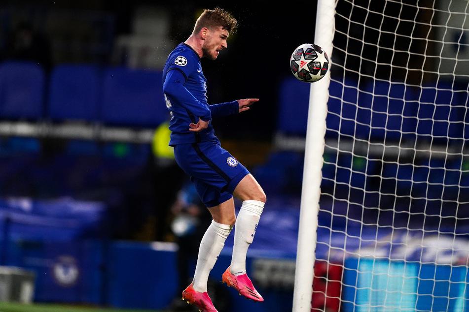 Timo Werner drückt das Leder mit dem Kopf problemlos zum 1:0 für den FC Chelsea über die Linie.