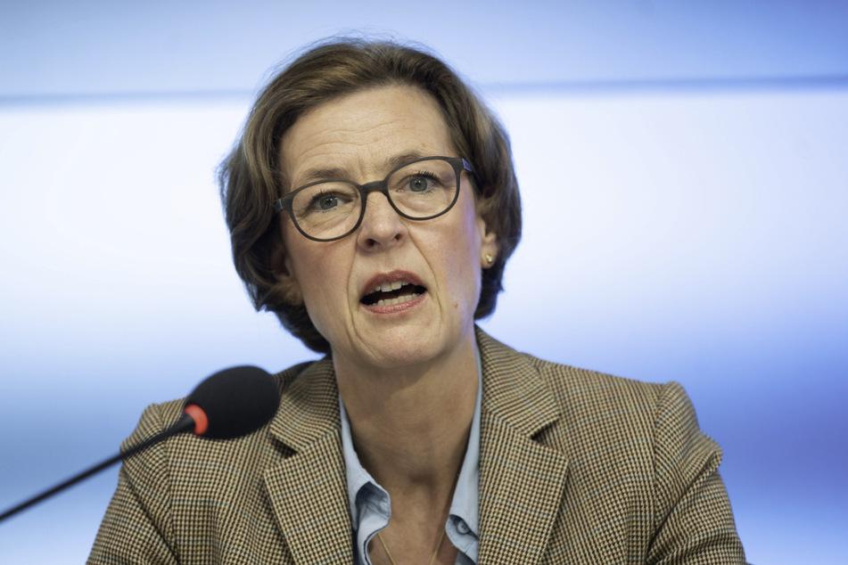 Beate Bube, die Präsidentin des Landesamts für Verfassungsschutz in Baden-Württemberg, rechnet damit, dass sich Staatsfeinde unter den Corona-Demonstranten nach Abklingen der Pandemie neue Themen suchen werden.