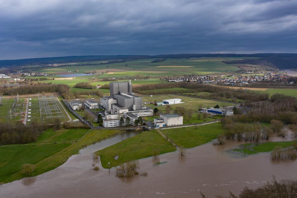 Die Planungen für ein Zwischenlager für radioaktive Abfälle in Würgassen im östlichen NRW gehen trotz erheblicher behördlicher Bedenken weiter.