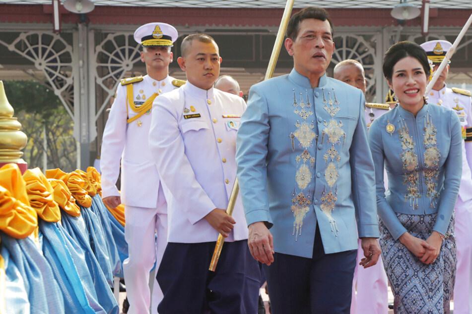 Erst degradiert, dann begnadigt: Thai-König feiert Geburtstag seiner Geliebten im Partnerlook