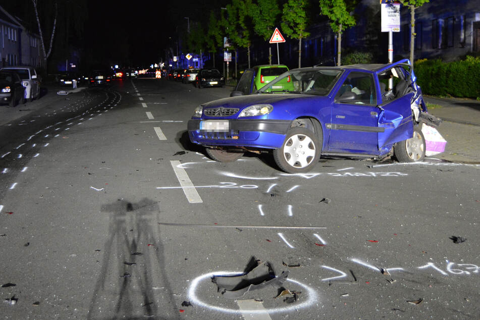 Bei dem Autorennen in Moers war eine zunächst unbeteiligte Frau (43†) tödlich verletzt worden.
