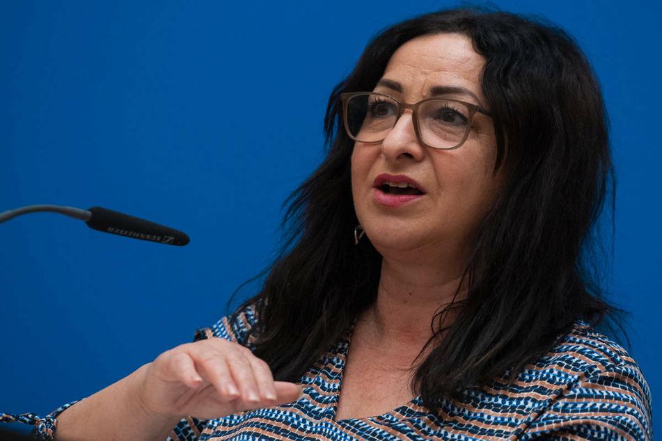Gesundheitssenatorin Dilek Kalayci (54, SPD) betrachtet es als moralische Selbstverpflichtung eines jeden Berliners und einer jeden Berlinerin, zum Impfen zu gehen.
