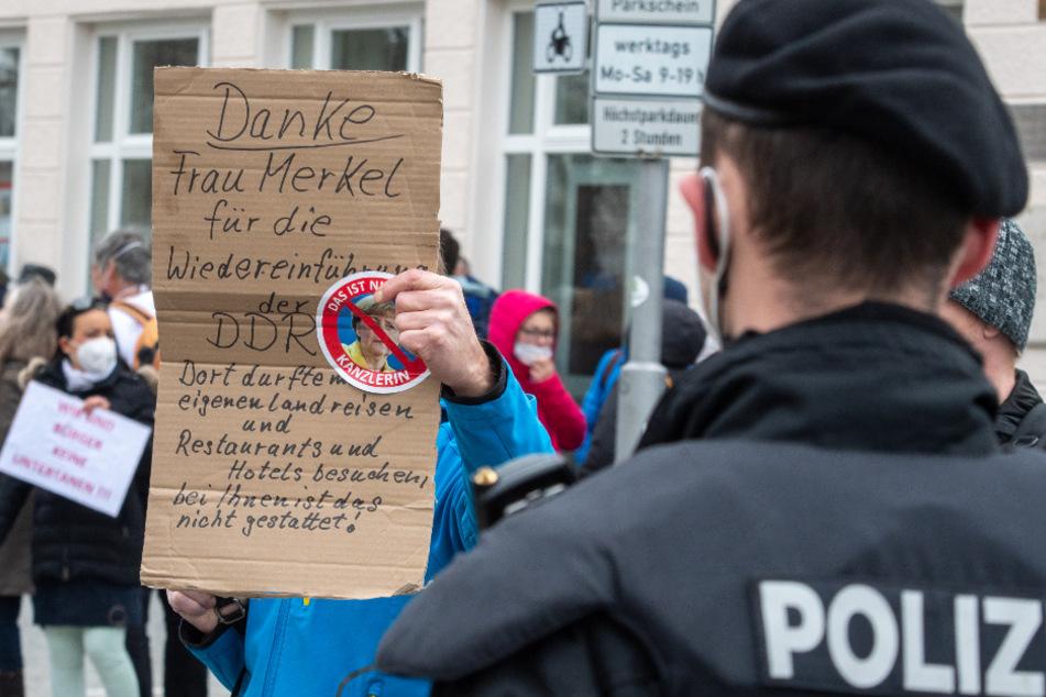 """""""Querdenker""""-Demo trotz Verbot: Polizei greift durch"""