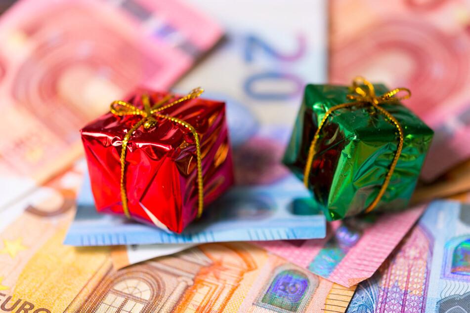 Spendierhosen? So viel wollen Bürger dieses Jahr bei Geschenken ausgeben