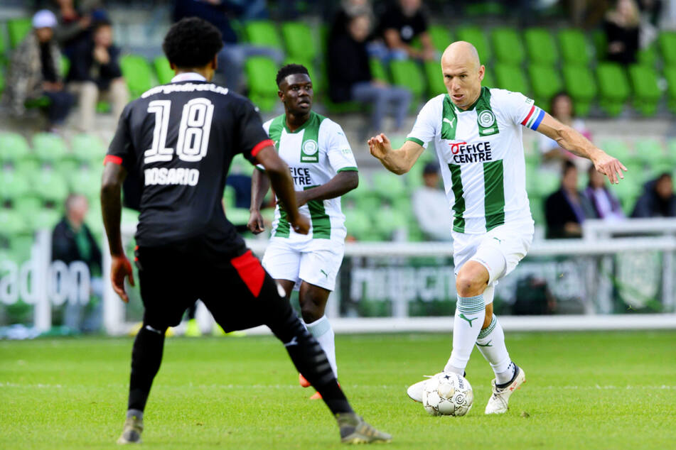 Arjen Robbens (37) Waden lassen momentan keinen Einsatz für den FC Groningen zu.