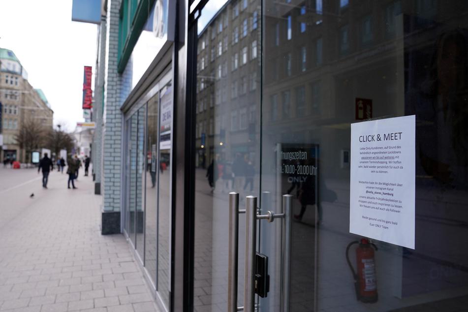 In Hamburg müssen die Läden dicht bleiben.