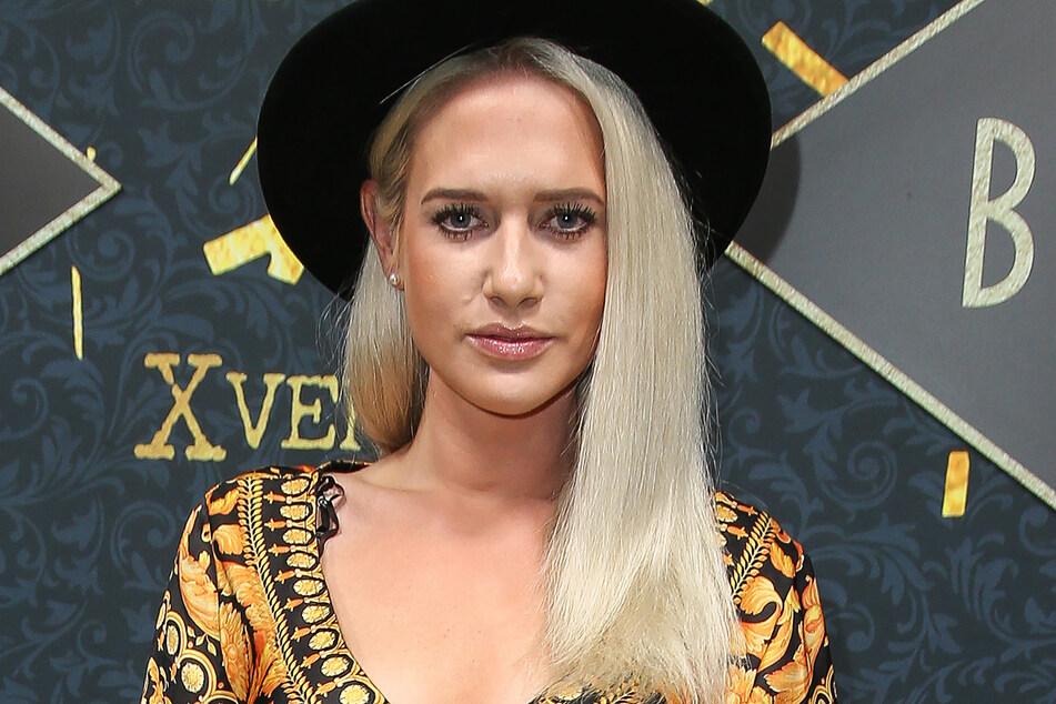 """TV-Blondine Sarah Knappik (33) ist im Sommer im TVNOW-Format """"Like Me - I'm Famous"""" zu sehen."""