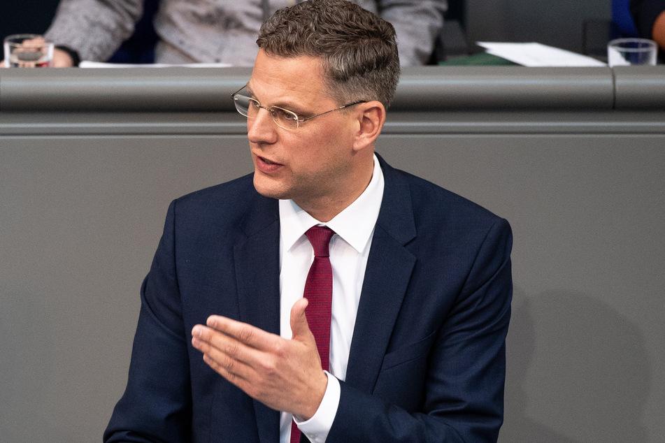Große Islamisten-Demo nach Terroranschlägen: CDU-Politiker ist empört!
