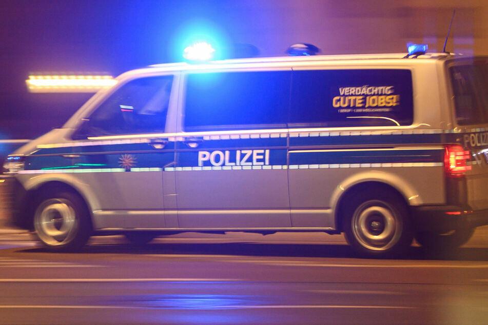 Chemnitz: 15-Jähriger in Chemnitz geschlagen und beklaut: Tatverdächtige flüchten auf E-Scootern!