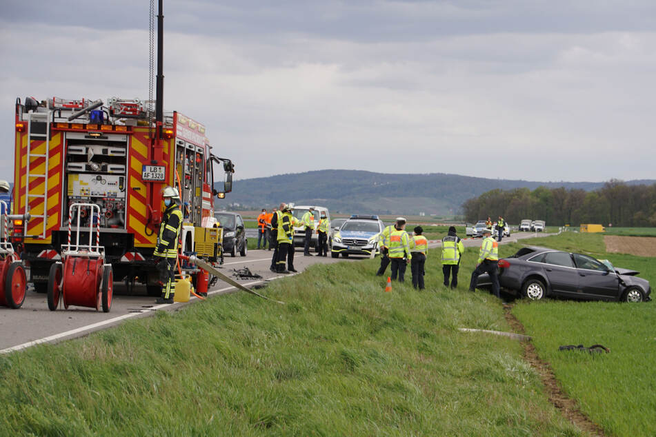 Autofahrer kracht in Betonmischer und stirbt!