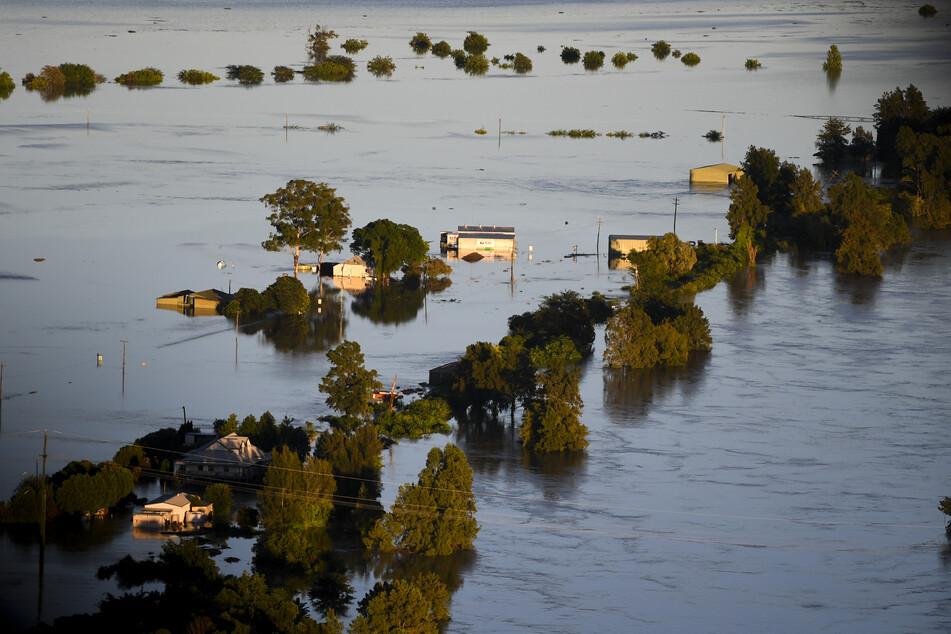 Tagelanger Starkregen hat im Südosten Australiens zu einem katastrophalen Hochwasser geführt, ganze Ortschaften wurden überflutet.