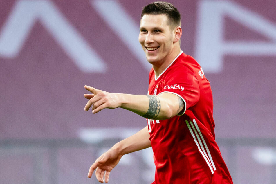 Niklas Süle (25) scheint fest im Sattel des Bayern-Kaders zu sein. Sein Trainer zeigt sich zufrieden.