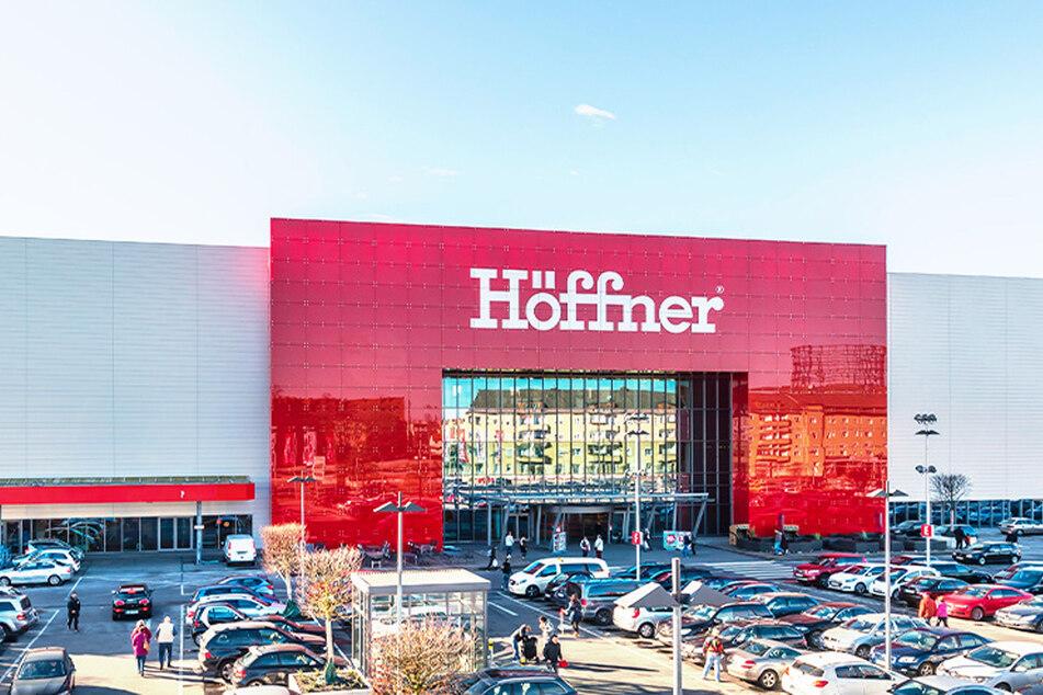 Höffner verkauft bis Samstag (17.4.) Küchen zum Hammerpreis