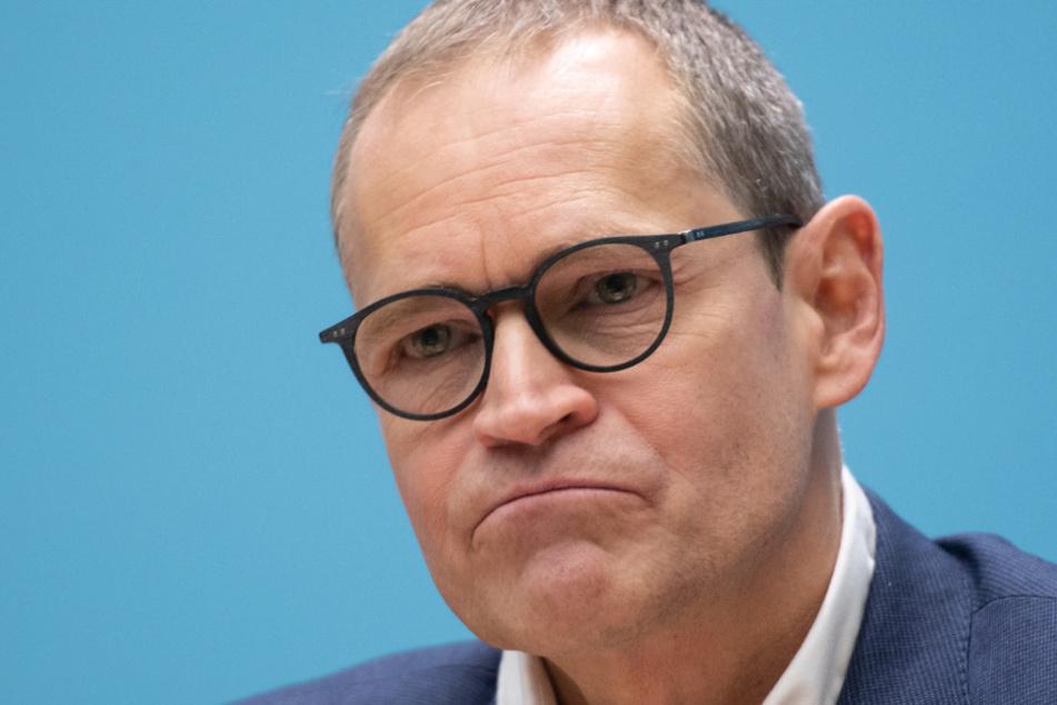 Michael Müller (SPD), Berlins Regierender Bürgermeister, sitzt bei einer Pressekonferenz nach einer Sitzung des Berliner Senats.
