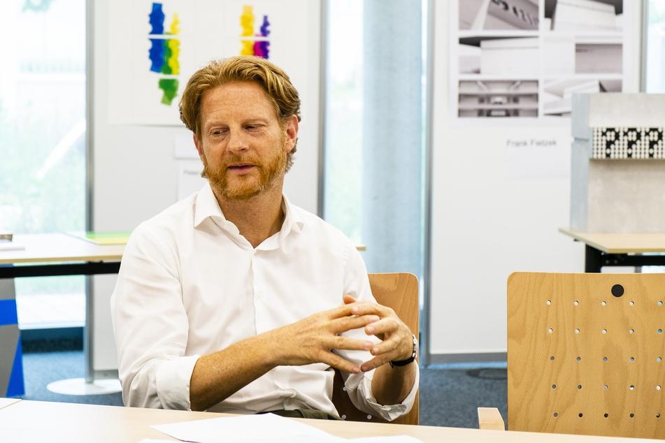 Baubürgermeister Michael Stötzer (47, Grüne) erklärte, warum die Stadt mehr als 600.000 Euro für eine Baustellen-Pause zahlen muss.