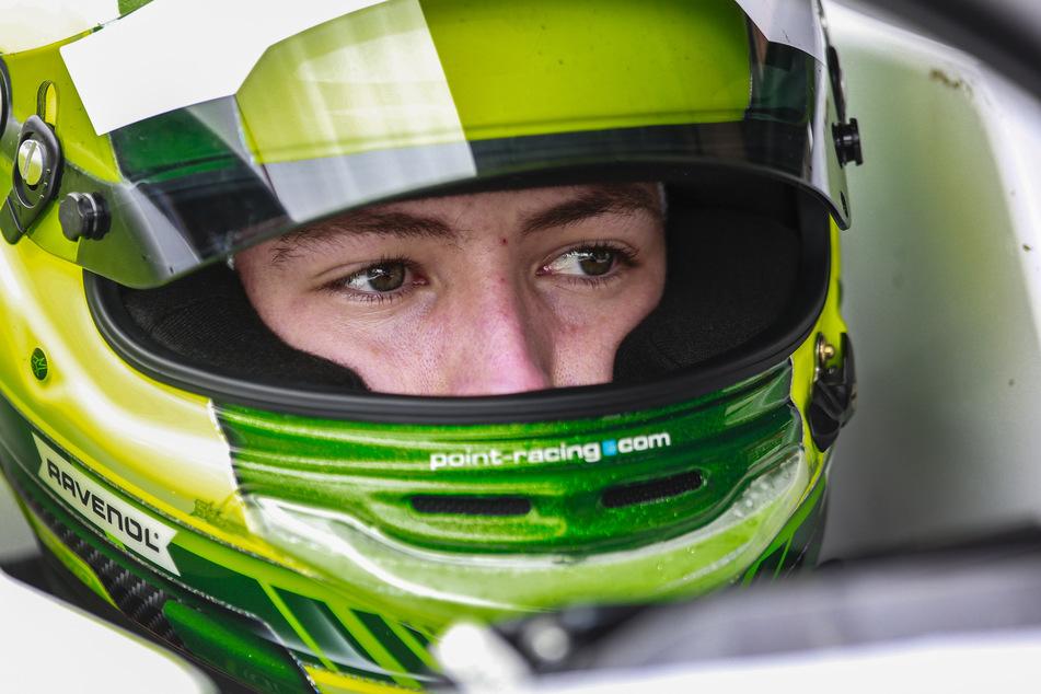 David Schumacher (19) versucht den Sprung in die Formel 1 zu schaffen. Aktuell fährt er in der kleineren Klasse der Formel 3.