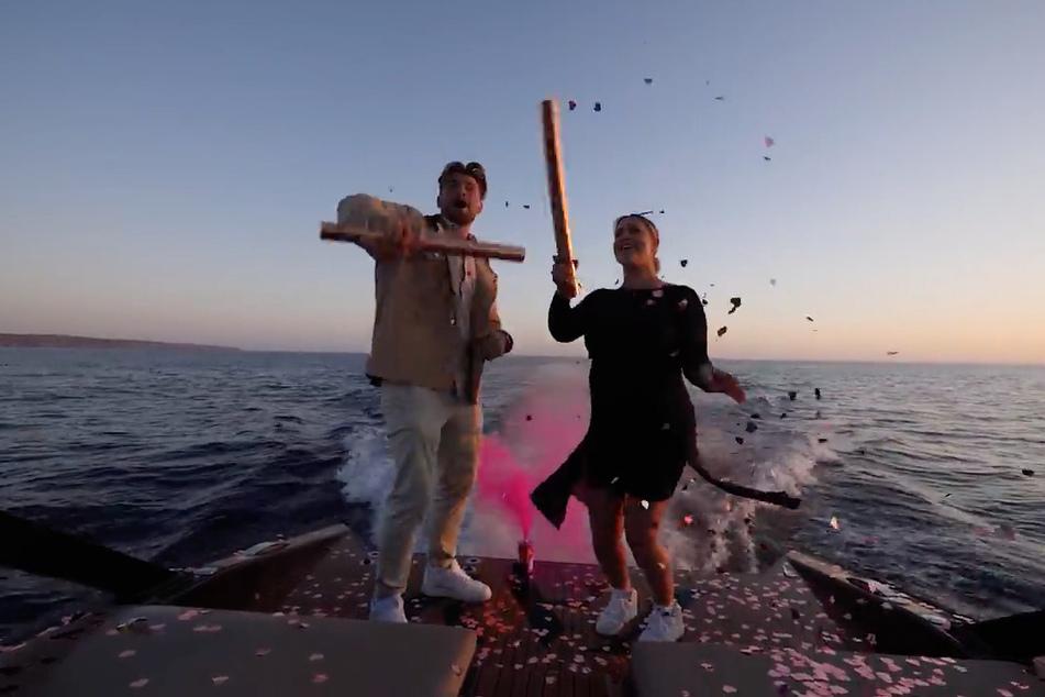 Jessica Paszka (30) und ihr Verlobter Johannes Haller (33) bekommen ein Mädchen. Das wissen jetzt - leider - auch die Meeresbewohner.