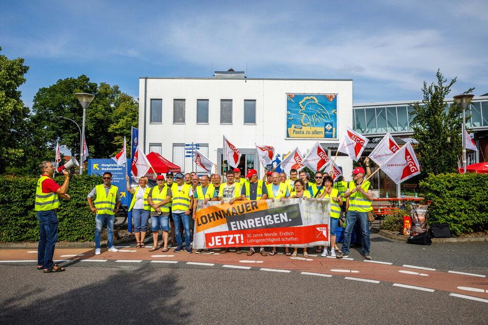 Wollen so viel verdienen wie die Kollegen im Westen: die Mitarbeiter der Teigwaren Riesa GmbH.