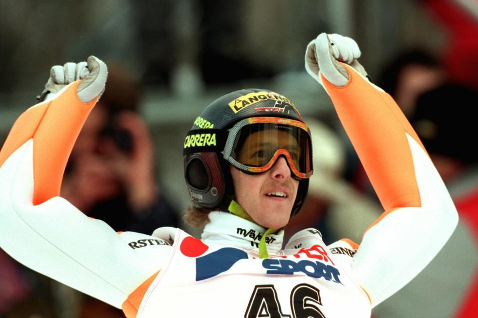 1996 gewann Jens Weißflog (56) zum vierten Mal die Vierschanzentournee.