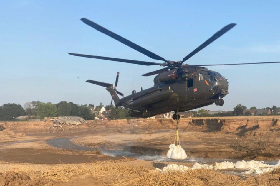So reparieren Bundeswehr und Helfer die riesige Abbruchkante nach dem Hochwasser