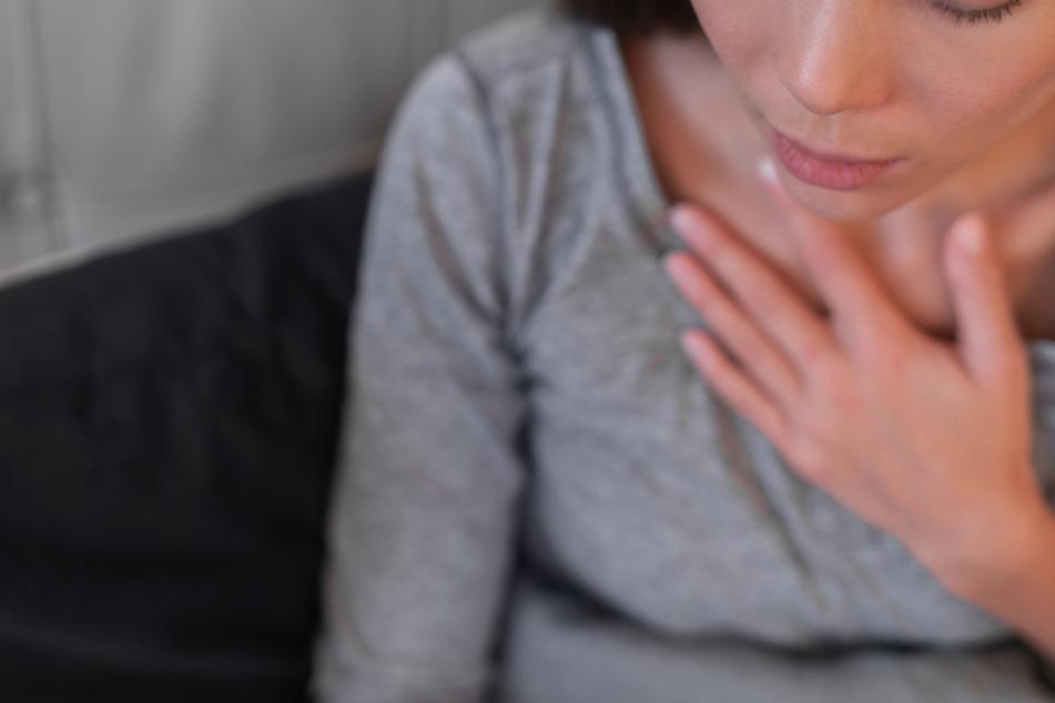 Husten, Gliederschmerzen, Atemnot: Eine Chemnitzerin berichtet über ihre Corona-Erkrankung (Symbolbild).