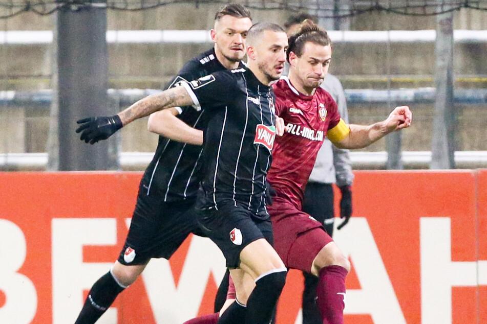 Wechsel zur SG Dynamo Dresden? Von wegen! Sercan Sararer (31, vorne) hat seinen Vertrag bei Türkgücü München bis 2024 unterschrieben.