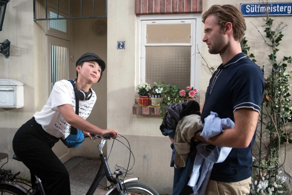 Simon (Thore Lüthje, rechts) und Ellen (Yun Huang) sind sich nicht sympathisch.