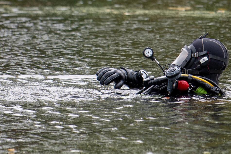 Tödliches Unglück: Fünfjähriger fällt von Brücke in See und ertrinkt