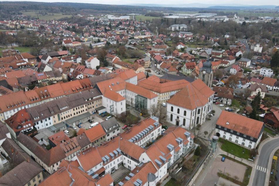 Blick auf Hildburghausen. Die Stadt ist samt Landkreis mit am stärksten von der Corona-Pandemie betroffen.
