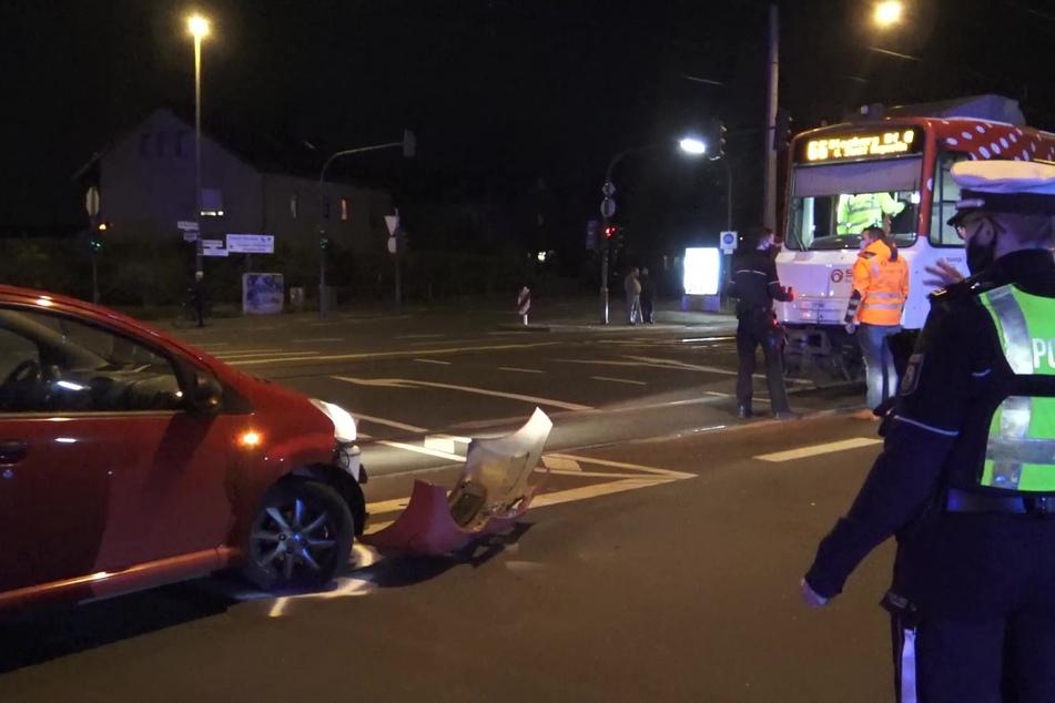 Autofahrerin kollidiert mit Straßenbahn
