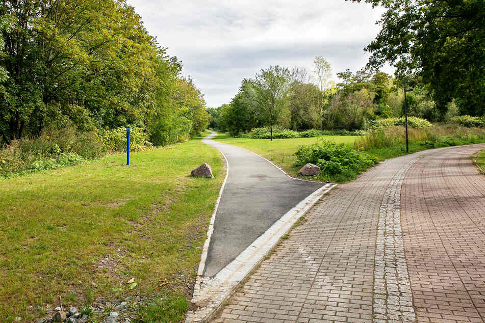 """An dieser Gabelung der Passauer Straße in den Südpark soll die """"Trümmerbahn"""" aufgestellt werden."""