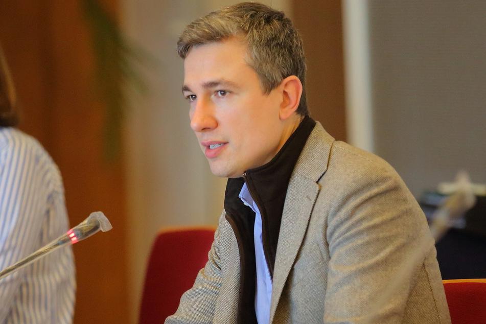 Baubürgermeister Stephan Kühn (41, Grüne) hat die neuen Fördergebiete in Dresden vorgestellt.