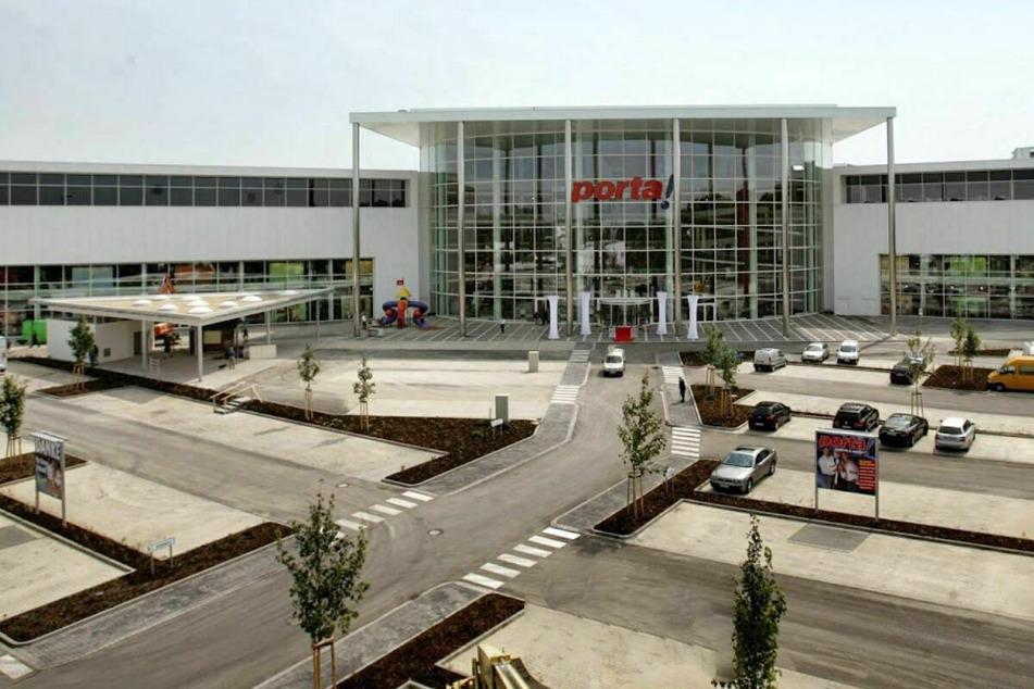 Möbelhaus in Aachen lässt bis 13.3. nur mit Termin rein und startet krasse Aktion