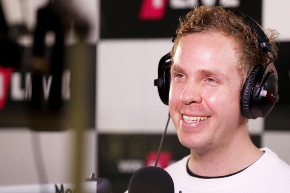 Weltrekord! 1Live-Reporter telefoniert mit hunderten Anrufern