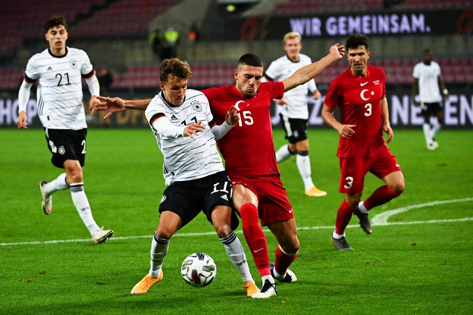Merih Demiral (23, v. r.) bestritt für die türkische Nationalmannschaft 24 Länderspiele und war bei der EM Stammkraft.