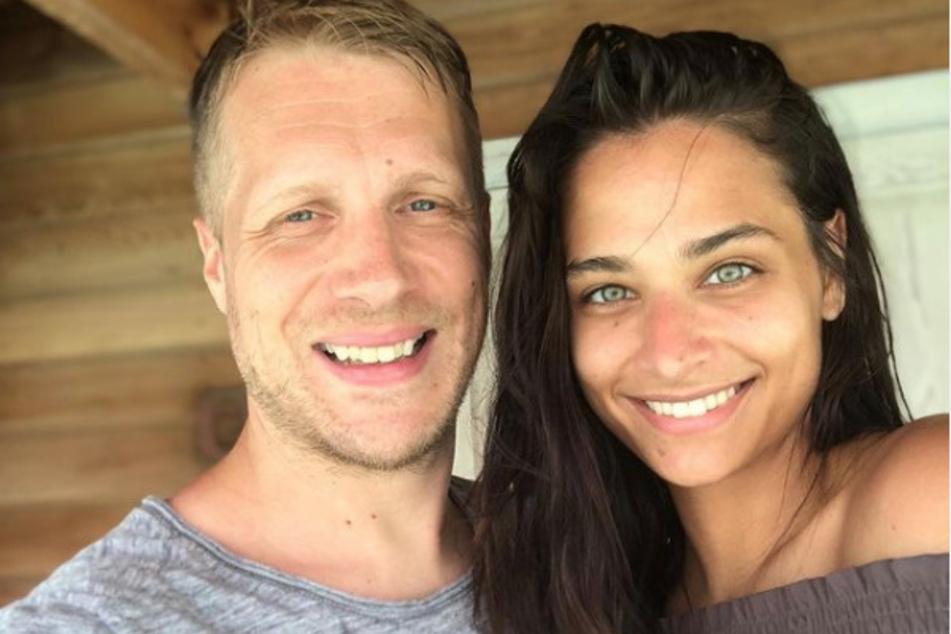 Mit Comedian Oliver Pocher (43) ist die schöne Österreicherin seit 2019 verheiratet. Das Paar wohnt mit seinen beiden gemeinsamen Kindern in Köln.