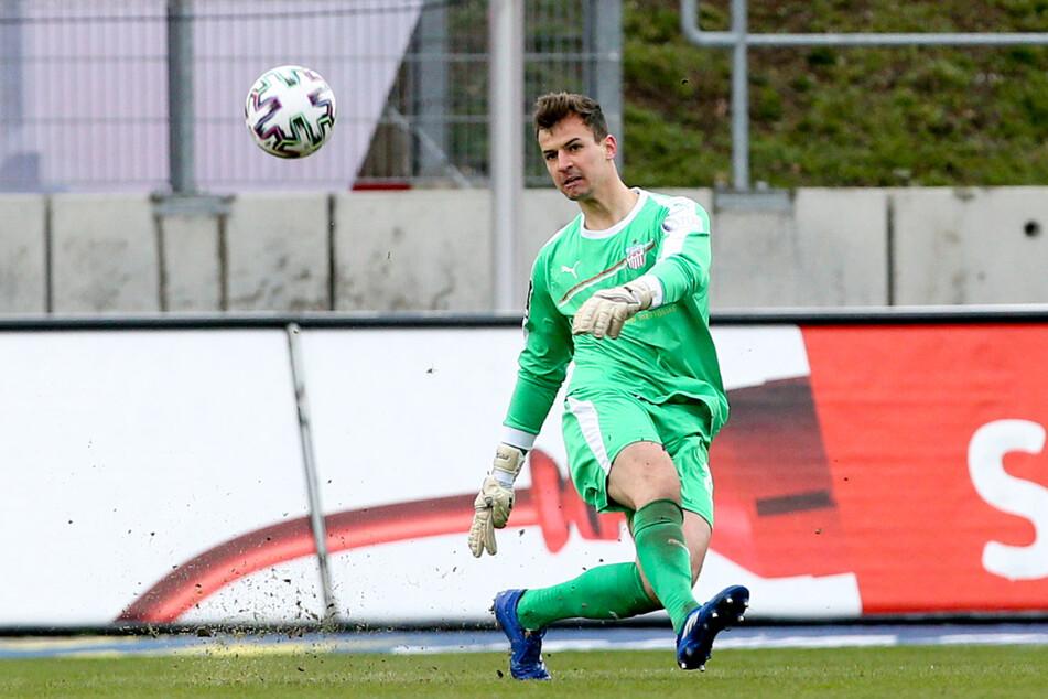 Ersatzkeeper Matti Kamenz (22) überzeugte beim 2:1-Sieg gegen den SV Wehen Wiesbaden von der ersten Minute an.