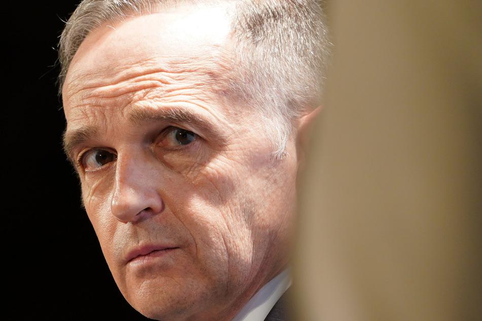 Heiko Maas (54, SPD), Bundesminister des Auswärtigen verurteilt das Handeln von Belarus aufs Schärfste.