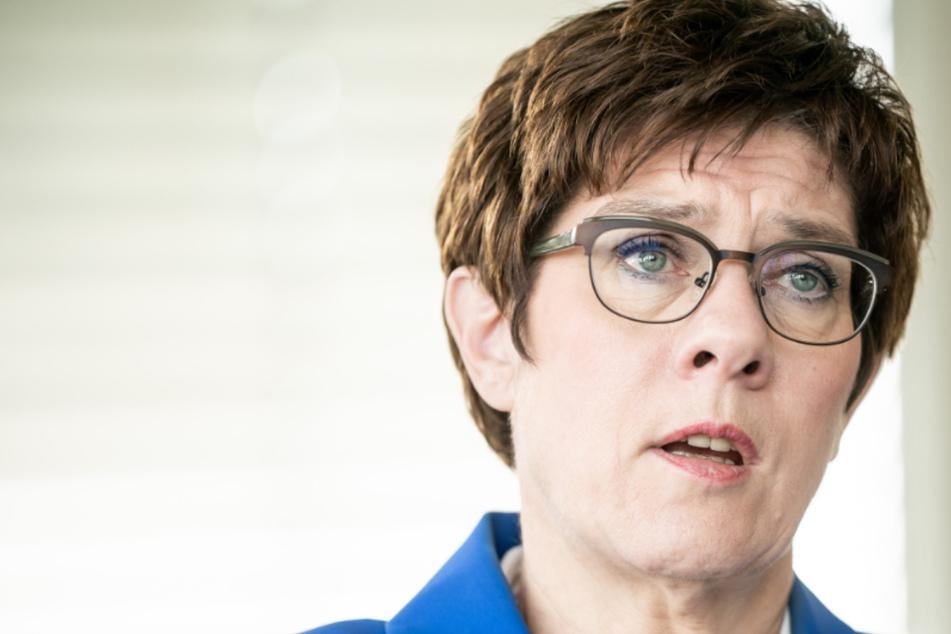 Nach Skandalen: Wie geht es mit dem KSK weiter, Frau Kramp-Karrenbauer?