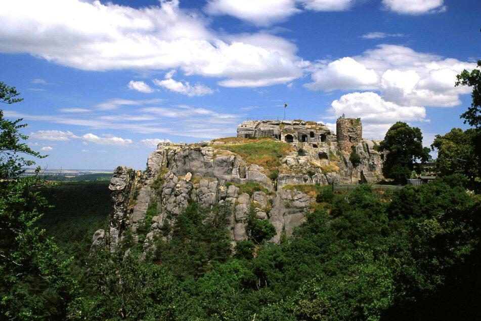 Bester Blick von der Bastion: Der Sandsteinfelsen, auf dem die Höhenburg einst stand, ist ein beliebtes Ausflugsziel.