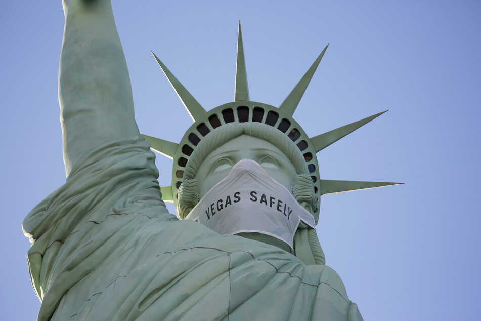 Trotz Corona-Rekord: US-Gouverneur klagt gegen Maskenpflicht