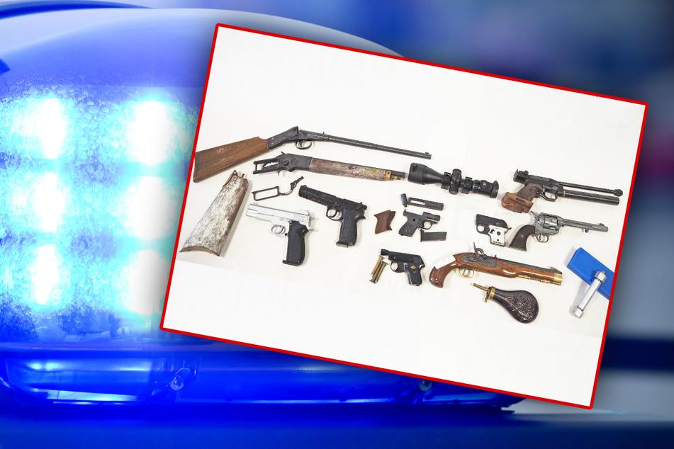 Rohrbomben-Teile und Waffen entdeckt! Was hatte der Besitzer damit nur vor?