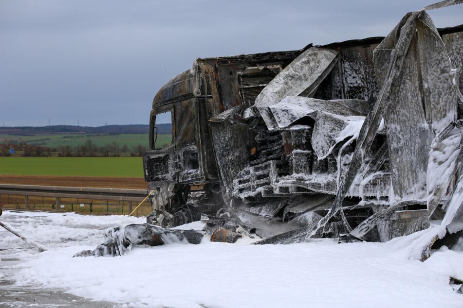 A4 bei Erfurt: Einsatzkräfte müssen wegen brennendem Lkw ausrücken