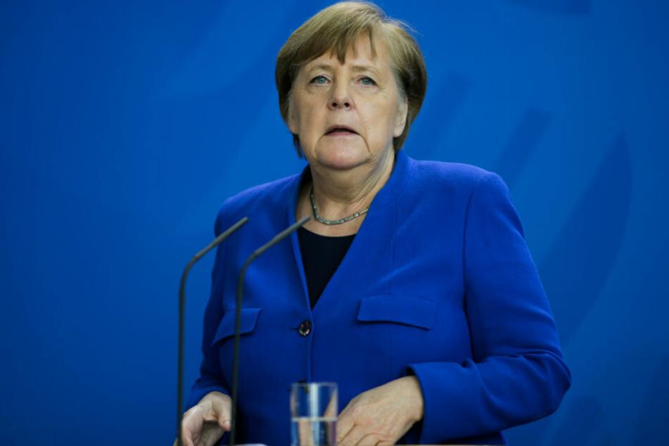 Bundeskanzlerin Angela Merkel (CDU) gibt im Bundeskanzleramt eine Pressekonferenz zu Maßnahmen, die eine weitere Ausbreitung des Coronavirus verlangsamen sollen.