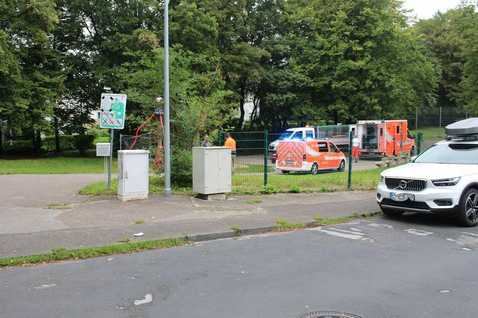 Der Unfall hatte sich auf einem Spielplatz im Bergisch Gladbacher Stadtteil Paffrath ereignet.