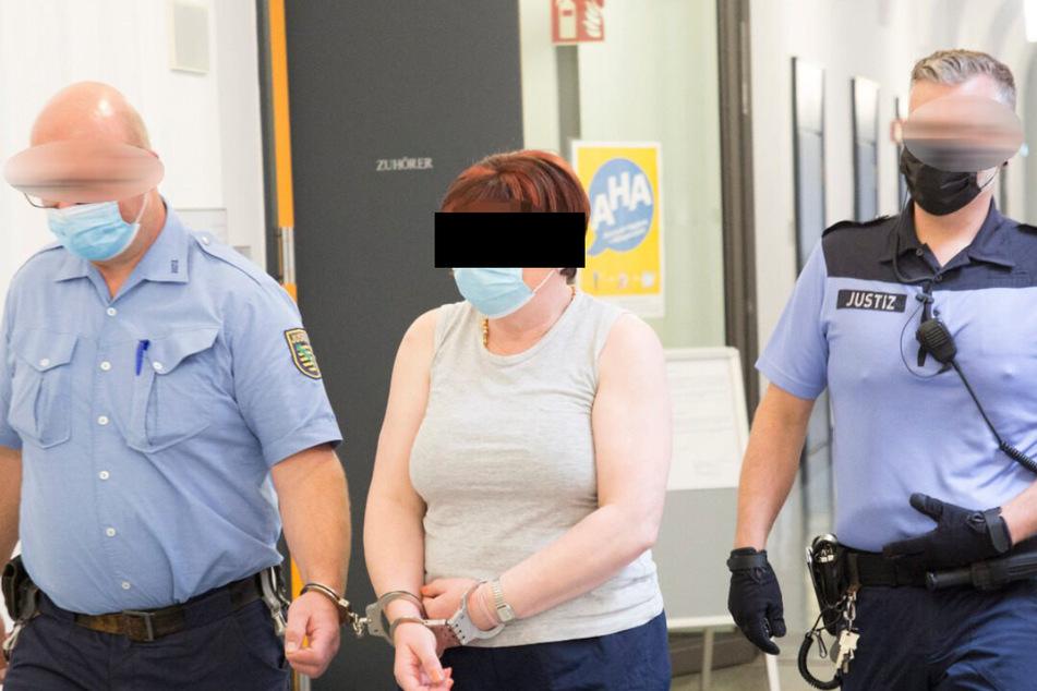 Anke F. (51) ist wegen Beihilfe zum Mord angeklagt.