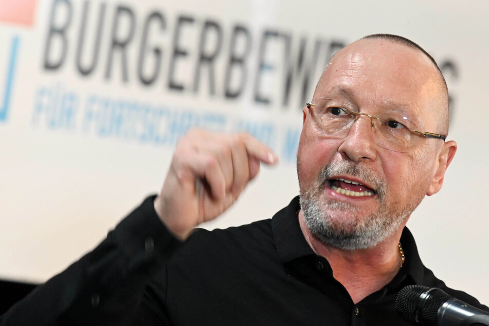 """Ex-Porsche-Betriebsratchef Uwe Hück (59) tritt bei der Bundestagswahl am 26. September mit seiner Partei """"Bürgerbewegung für Fortschritt und Wandel"""" an."""