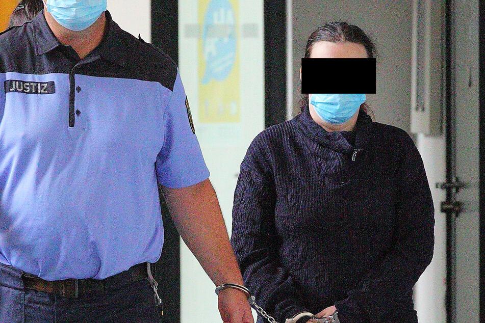 Stefanie W. (32) wollte mit dem Mord an ihrem Ehemann laut Anklage die Sterbeversicherung von 17.000 Euro kassieren und einen Sorgerechtsstreit umgehen.