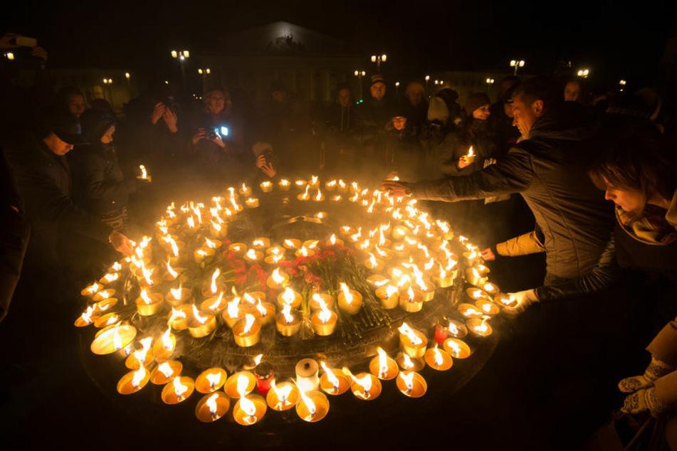 Da Menschenansammlungen jedoch nicht erwünscht sind, empfiehlt der WWF, das Licht zu Hause auszuschalten.